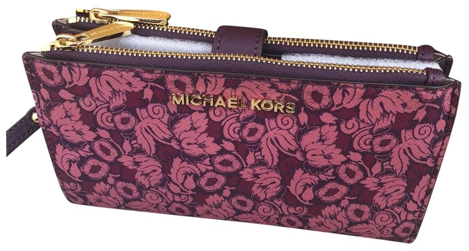 49de5df7b27104 Michael Kors Michael Kors Jet set double zip Leather Smartphone Wristlet  Wallet Image 0 ...