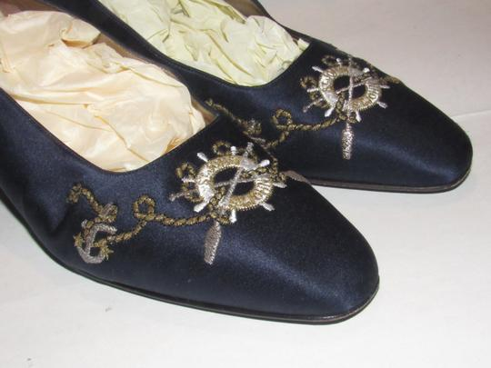 St. John Almond Toes Nautical Theme Mint Condition Gold Metal Heels navy blue satin and leather Flats Image 7