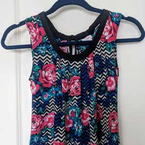 Candie's Top Black and White Chevron with Roses