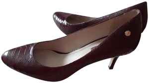 Louise et Cie Leather Snake Embossed Size 7.5m Burgundy Pumps
