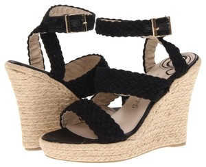 Gabriella Rocha Cream & Black Wedges