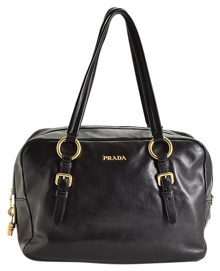 Preload https://img-static.tradesy.com/item/24106212/prada-black-leather-satchel-0-1-540-540.jpg