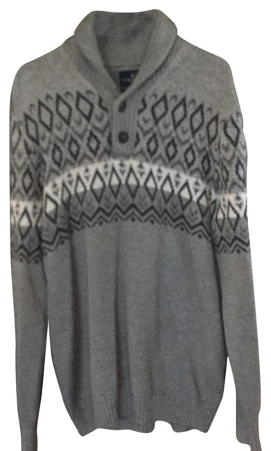Preload https://img-static.tradesy.com/item/24106224/american-eagle-outfitters-0141149023311343-01227143007-grey-sweater-0-1-650-650.jpg