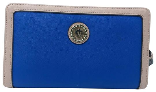 Preload https://img-static.tradesy.com/item/24106291/anne-klein-recruits-wallet-in-true-with-peony-trim-blue-faux-leather-wristlet-0-1-540-540.jpg