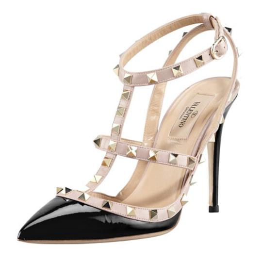 Preload https://img-static.tradesy.com/item/24106408/valentino-blacknude-rock-stud-heels-pumps-size-eu-40-approx-us-10-regular-m-b-0-0-540-540.jpg