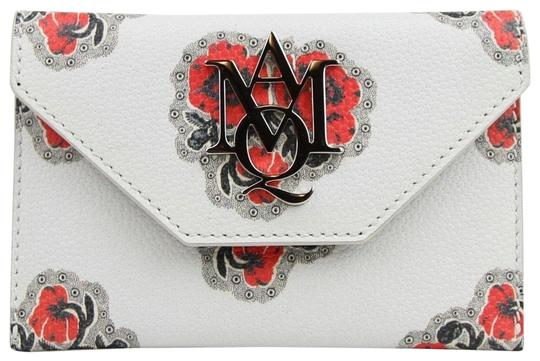 Preload https://img-static.tradesy.com/item/24106508/alexander-mcqueen-ivoryred-ivoryred-leather-card-holder-with-poppies-print-439197-9970-wallet-0-1-540-540.jpg
