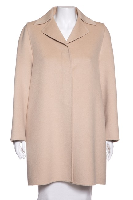 Preload https://img-static.tradesy.com/item/24106528/prada-cream-wool-and-angora-blend-coat-size-6-s-0-0-650-650.jpg