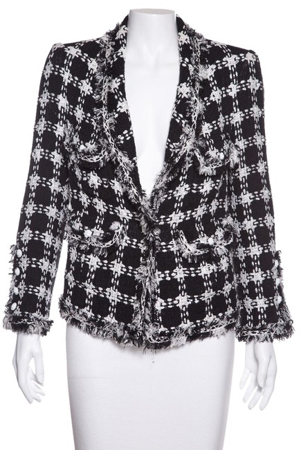Preload https://img-static.tradesy.com/item/24106624/chanel-black-and-white-check-pattern-tweed-jacket-size-6-s-0-1-650-650.jpg