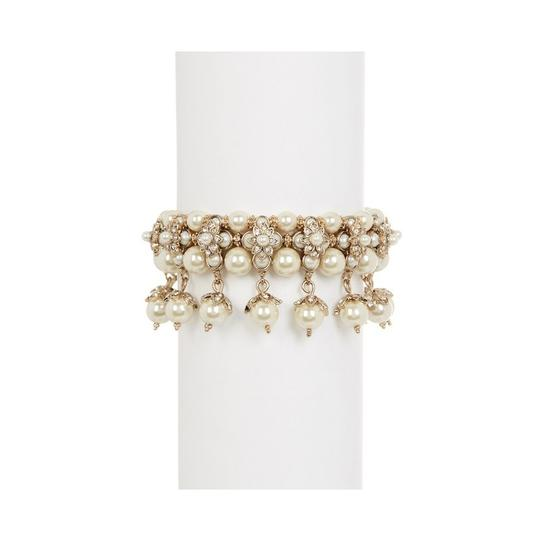 Preload https://img-static.tradesy.com/item/24106819/marchesa-gold-nwot-tone-mother-of-pearl-bracelet-0-0-540-540.jpg