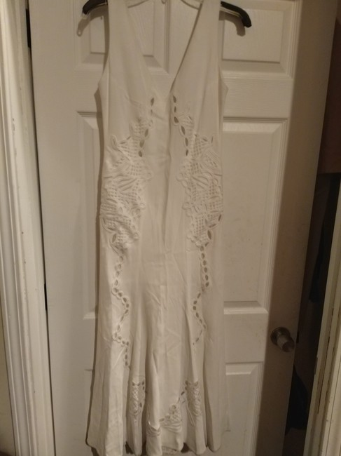 Item - White Thick Embroidered Aline Long Feminine Wedding Dress Size 2 (XS)