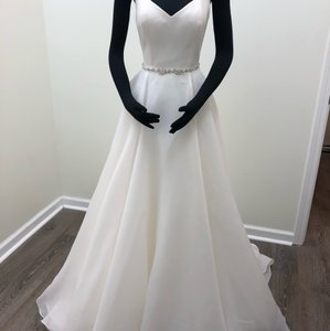 Sottero and Midgley Ivory Shavon Organza Kyle Traditional Wedding Dress Size 8 (M)