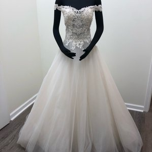 168f3a2fd47 Sottero and Midgley Ivory Stone Silver Tulle Illusion Lace Safira Formal  Wedding Dress Size