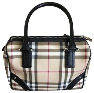Burberry Satchel in skin black