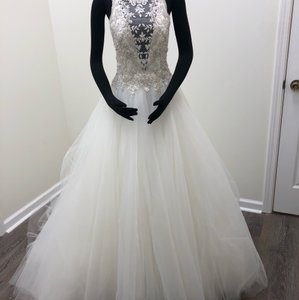 Maggie Sottero Ivory/Silver Tulle Crystals Lisette Traditional Wedding Dress Size 6 (S)