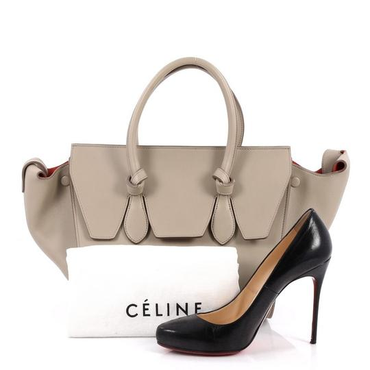 Céline Leather Tote in beige Image 1