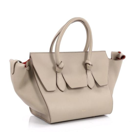 Céline Leather Tote in beige Image 2