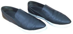 6b2abe7ac7a7 Vince Black Paeyre Slip-on Sneakers Sneakers Size US 5.5 Regular (M