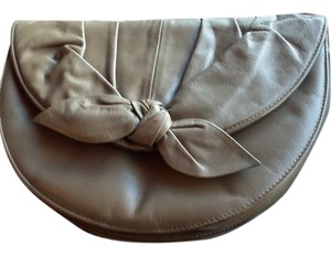 Rowallan Vintage Leather Bow Shoulder Bag