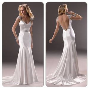 Maggie Sottero Ivory Satin Gown Modern Wedding Dress Size 4 (S)