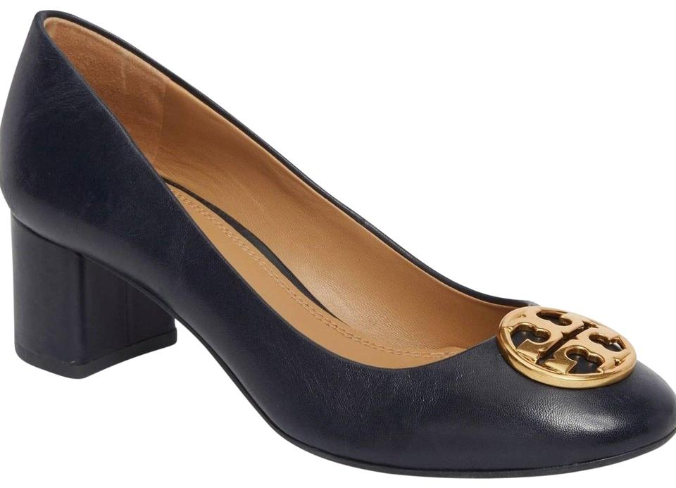 9c4e376f7281 Tory Burch Navy Blue New Gold Logo Leather Heels Pumps Size US 9.5 ...