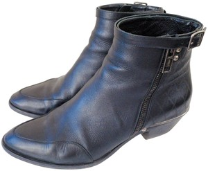 Chloé Embossed Leather Black Boots