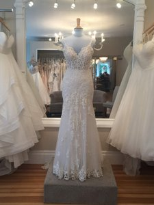 Martina Liana Ivory Lace & Tulle Over Matte-side Lustre Satin 817 Formal Wedding Dress Size 6 (S)