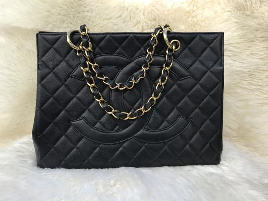 Chanel Boy Flap Maxi Medium Backpack Tote in Black Image 2