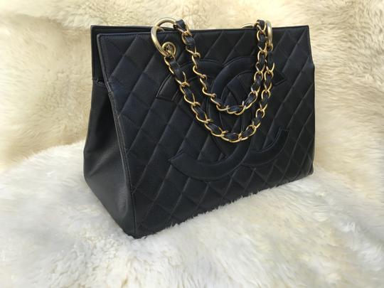 Chanel Boy Flap Maxi Medium Backpack Tote in Black Image 6