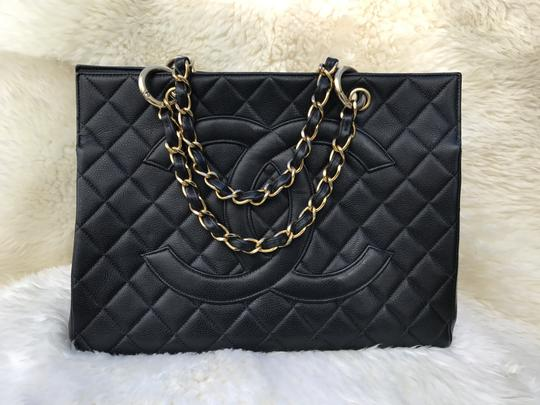 Chanel Boy Flap Maxi Medium Backpack Tote in Black Image 9