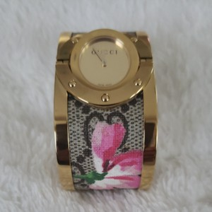Gucci Gucci flower twirl watch