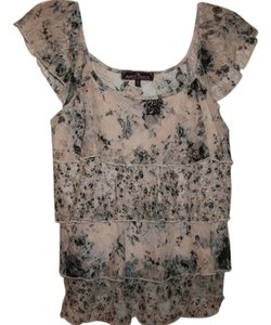 Almost Famous Famine Top floral/blk/blue/gray nude