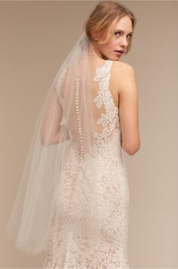 BHLDN Ivory Medium Fingertip Cloudbreak Bridal Veil