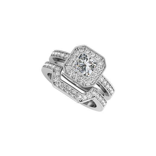 Preload https://img-static.tradesy.com/item/24120189/white-cz-halo-engagement-and-wedding-band-set-silver-ring-0-0-540-540.jpg