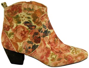 Sbicca Petunia Canvas Khaki/Red Boots