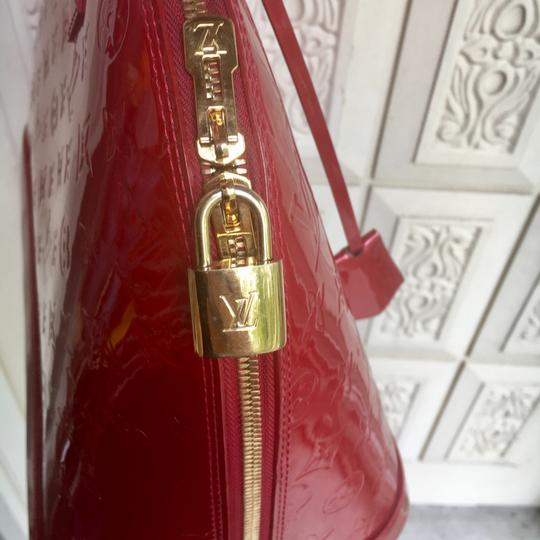 Louis Vuitton Satchel in red Image 3