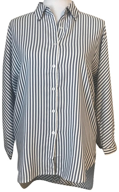 Preload https://img-static.tradesy.com/item/24124567/bluewhite-perfect-fit-three-quarter-sleeve-striped-shirt-button-down-top-size-6-s-0-1-650-650.jpg