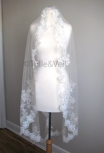 Ivory Medium Single Tier Knee Length Lace - Brittney S Bridal Veil