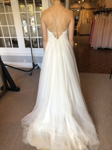 Ivory/Champagne Tulle Marjorie Modern Wedding Dress Size 10 (M)