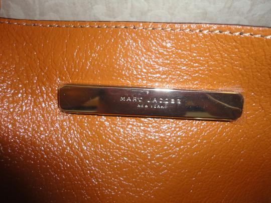 Marc by Marc Jacobs Designer Leather Tote in Black Image 4