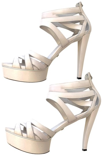 Preload https://img-static.tradesy.com/item/24125426/gucci-white-leather-platform-sandals-pumps-size-eu-40-approx-us-10-regular-m-b-0-1-540-540.jpg
