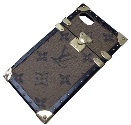 Preload https://img-static.tradesy.com/item/24125533/louis-vuitton-monogram-brown-reverse-canvas-trunk-iphone-7-plus-case-wallet-tech-accessory-0-1-540-540.jpg