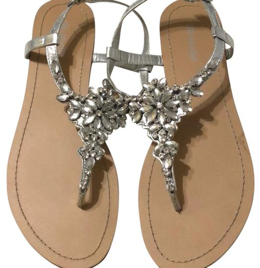 Preload https://img-static.tradesy.com/item/24125637/david-s-bridal-worn-once-sandals-size-us-9-regular-m-b-0-1-540-540.jpg