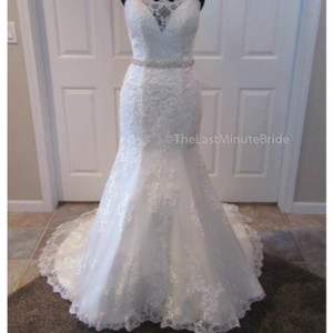 House of Wu Ivory Lace 18025 Feminine Wedding Dress Size 8 (M)