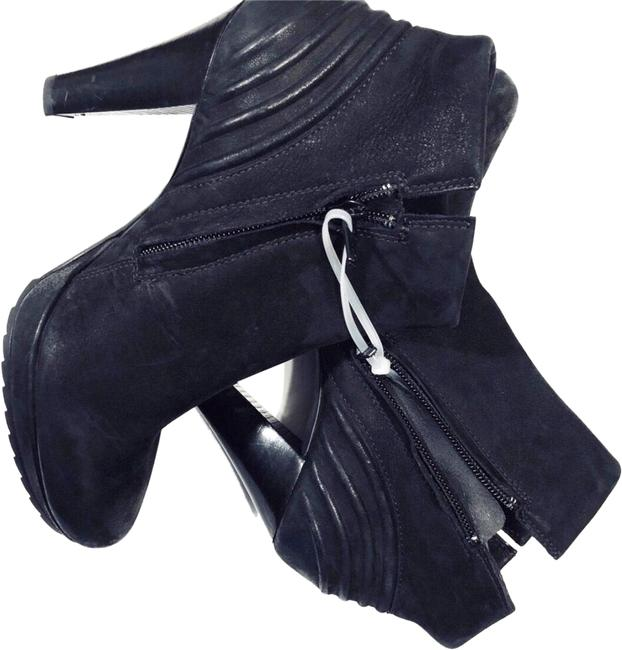 Item - Black Ankle Boots/Booties Size US 5 Regular (M, B)