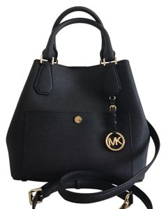 Michael Kors Greenwich / Saffiano Leather Large Grab Tote in Black / White