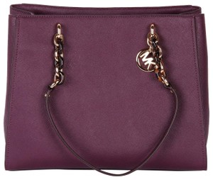 f2492375e3a3 Michael Kors Signature Bags & Accessories - Up to 80% off at Tradesy