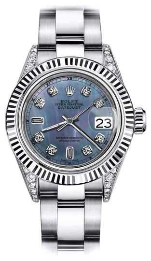 Preload https://img-static.tradesy.com/item/24132797/rolex-stainless-steel-black-pearl-82-tr-26mm-datejust-18k-watch-0-1-540-540.jpg