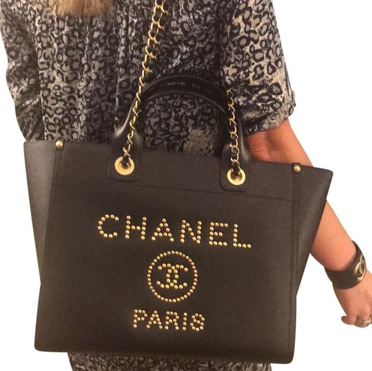 Preload https://img-static.tradesy.com/item/24133245/chanel-deauville-new-gold-studded-18k-large-shopping-grained-leather-black-caviar-tote-0-2-540-540.jpg