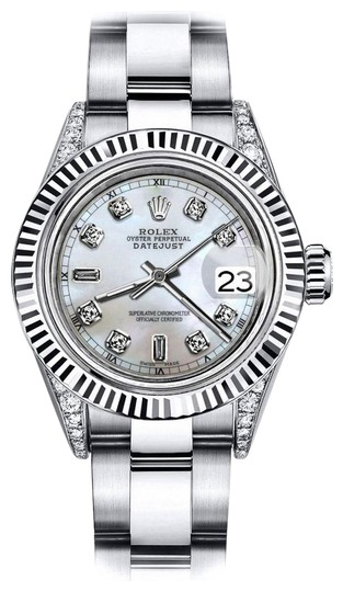 Preload https://img-static.tradesy.com/item/24133256/rolex-stainless-steel-white-pearl-82-26mm-datejust-18k-white-gold-fluted-bezel-and-real-watch-0-1-540-540.jpg