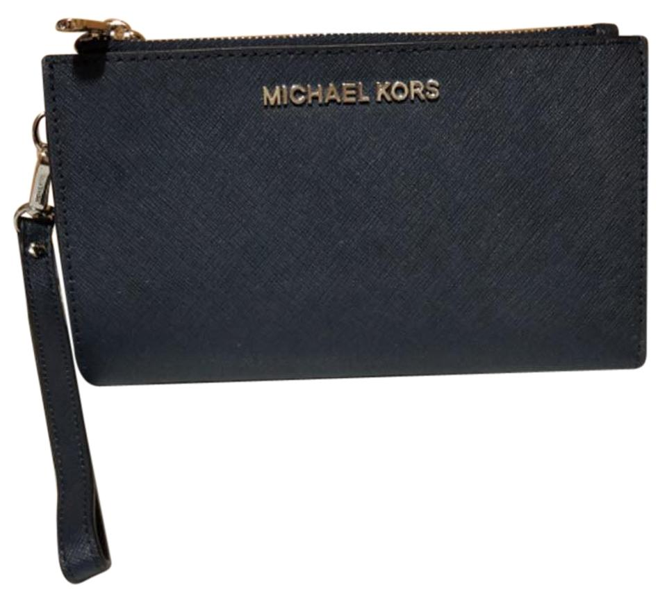 36b935256699 Michael Kors Michael Kors Jet set double zip leather Smartphone Wristlet  Wallet Image 0 ...